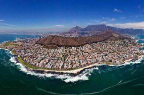 目前南非共有15086人因新冠肺炎去世,567729人康复